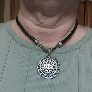 Sturdy braided and metal necklace